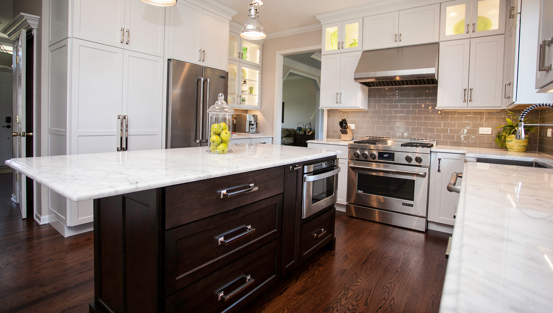 Naperville Custom White-Black Kitchen Remodeling