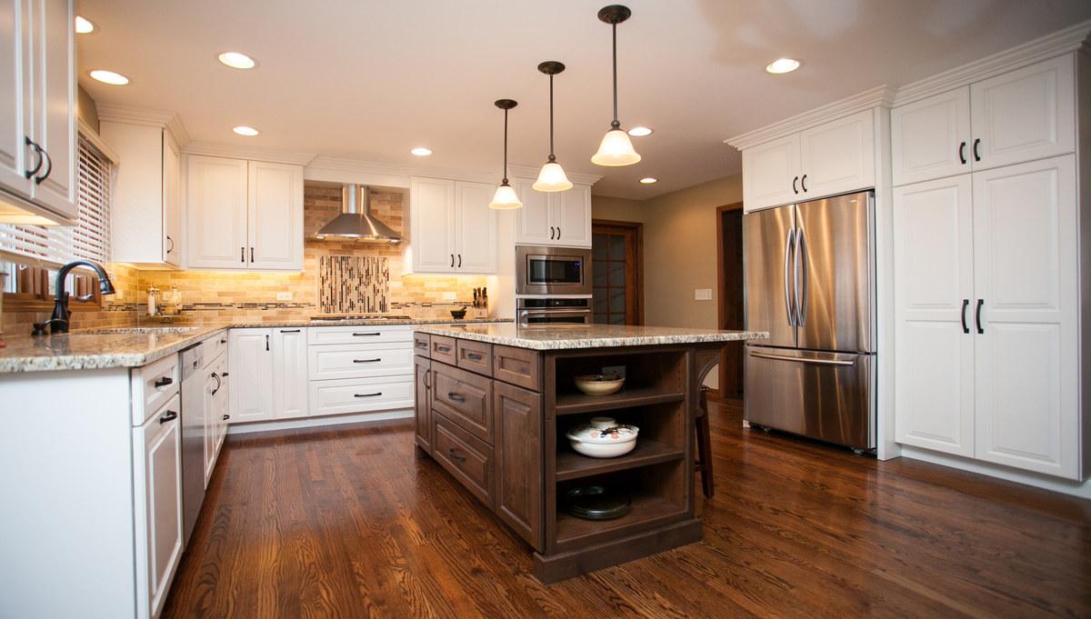 Distinctive Design In Naperville River Oak Cabinetry Design