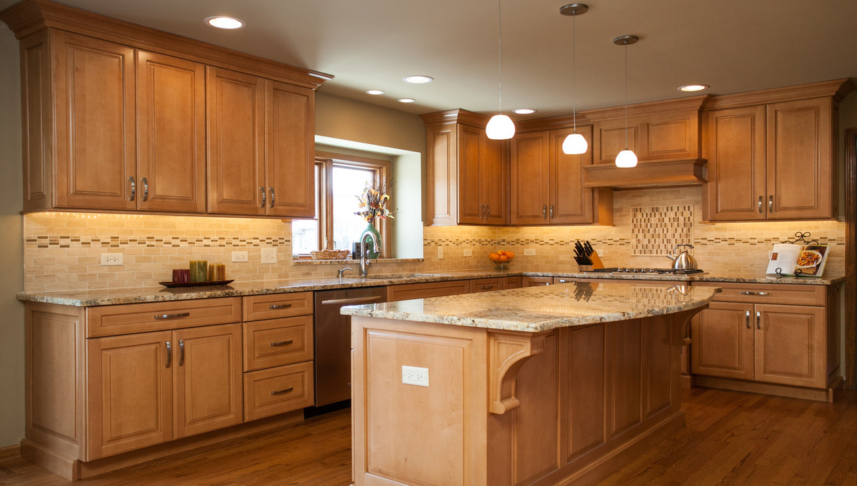 MARVELOUS MAPLE CUSTOM CABINETRY IN NAPERVILLE on What Color Granite Goes With Maple Cabinets  id=36366