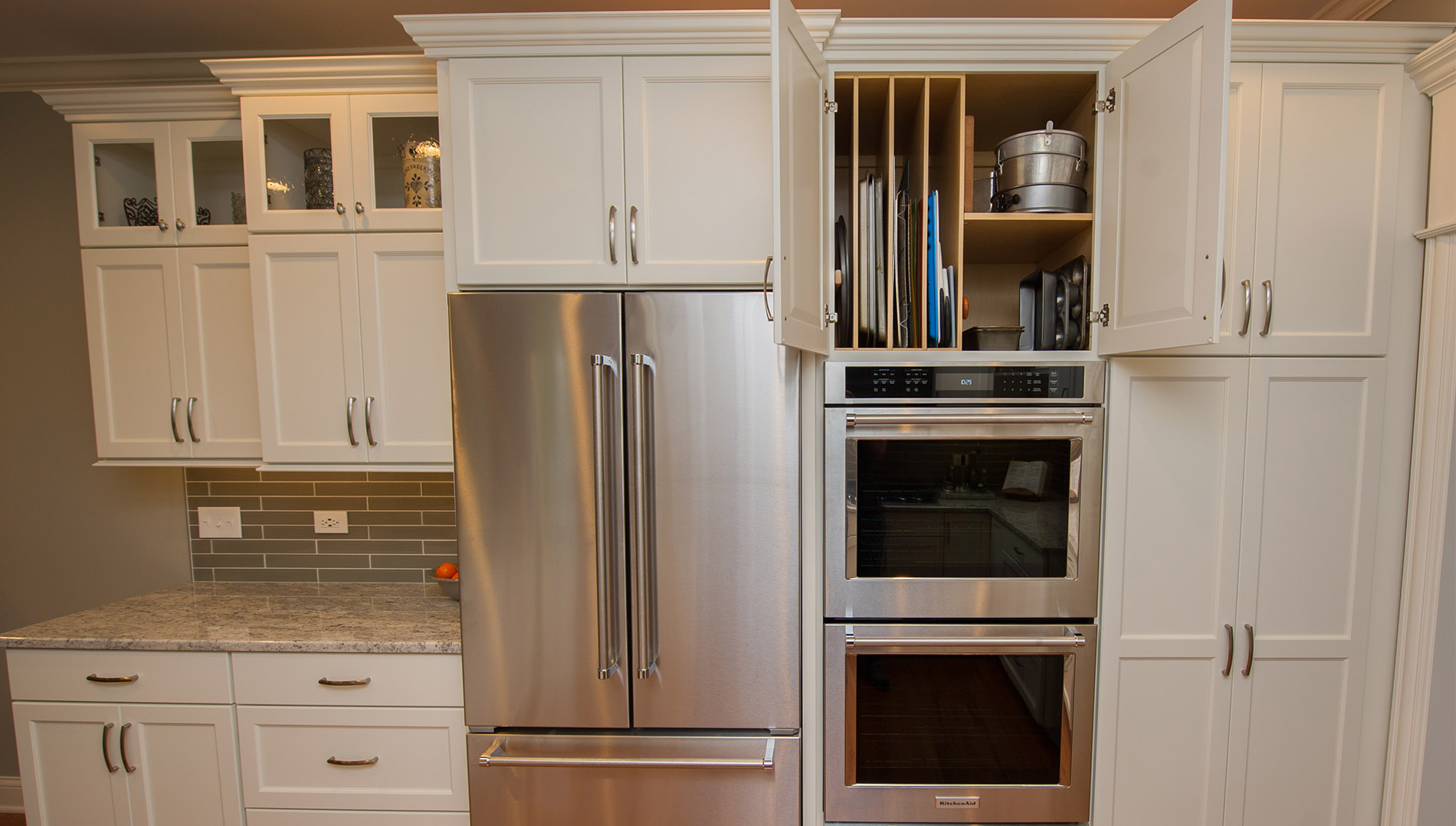 Luxury Townhome Lightens Up In Naperville River Oak Cabinetry Design