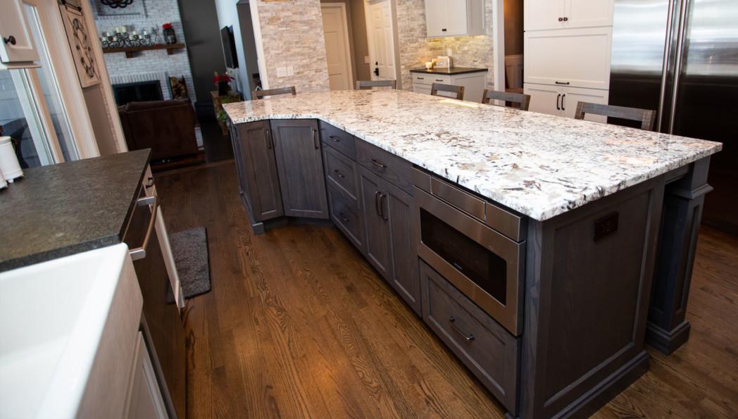 Naperville-custom-kitchen-large-island